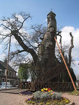 Treehouse Chapel in France