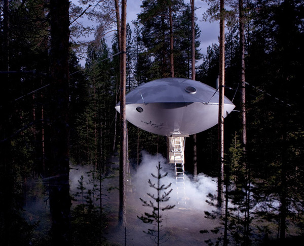 UFO treehouse hotel room