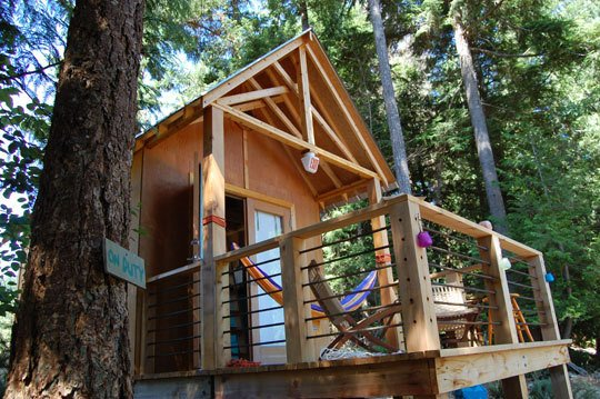 the 180 sq.ft. Everts home offers inspiring treehouse design ideas